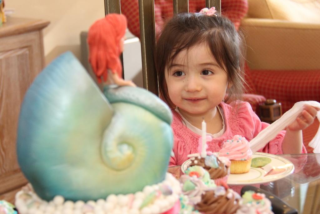 Michelle Cake Artist : Little Mermaid birthday cake for my niece