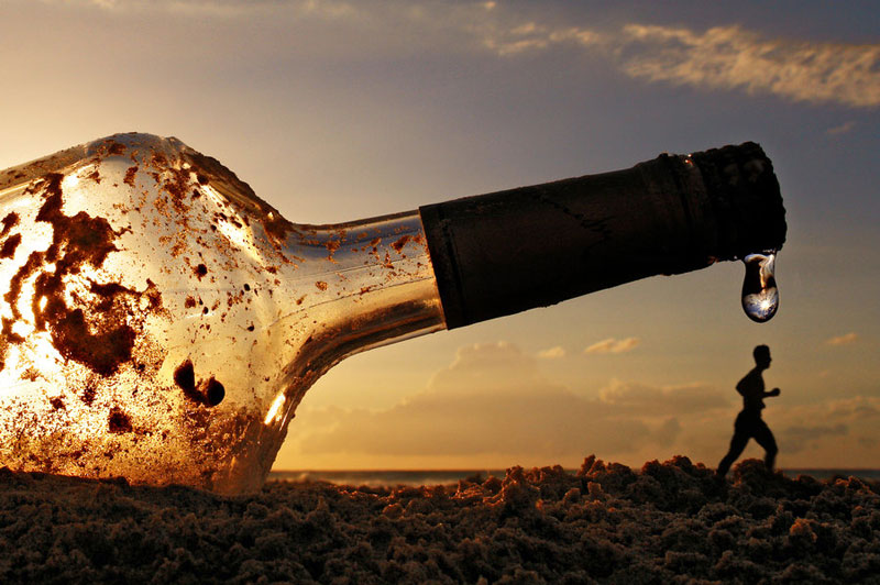 botol minuman, botol raksasa, manusia terbesar pernah ada