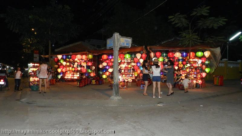 Phố bán đèn lồng ở Hội An