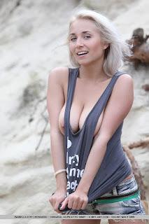 Teen Nude Girl - rs-Big_Naturals_-_Ella_C_from_Czech_Republic_-_aHR0cDovL3d3dy5jaGVycnludWRlcy5jb20vaXNhYmVsbGEtZC1jaG90ZXJhLWJlYWNoLzQuanBn-724481.jpg