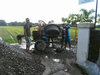 Gotong Royong Munggung Karangdowo Klaten