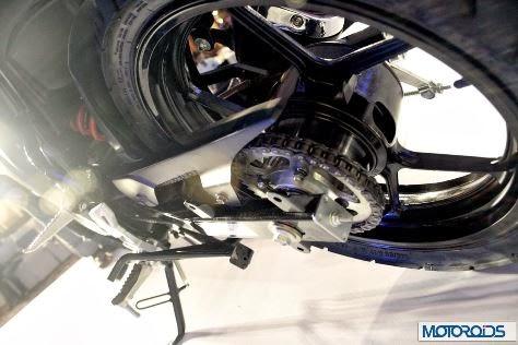 Suzuki India resmi rilis Gixxer 155,masih menggunakan karburator dan tromol belakang . .