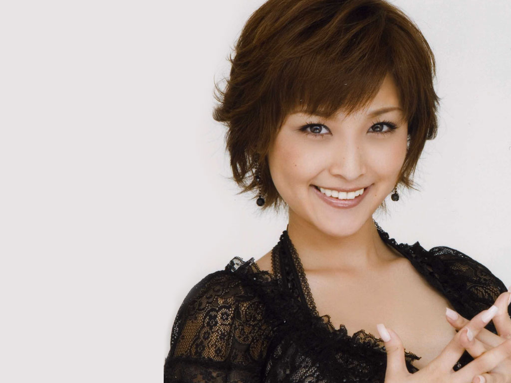 Category:Japanese female singers - Wikipedia