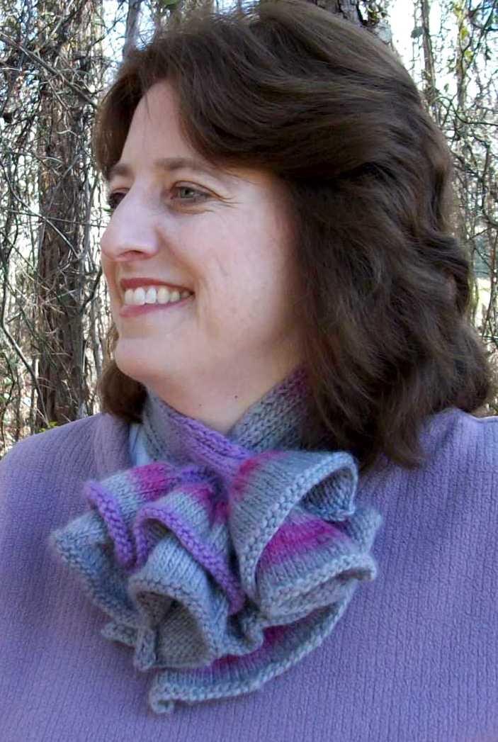 Ruffled Ascot on Knit Picks | Designs & Roses