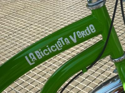9) Conhecer Santiago de bike