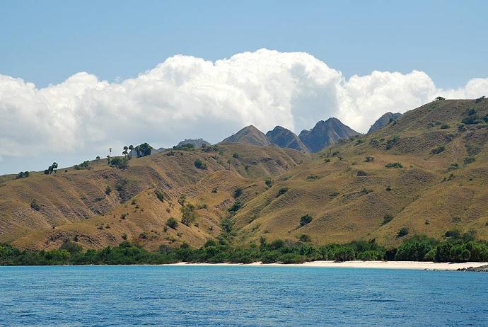 Montañas en una isla
