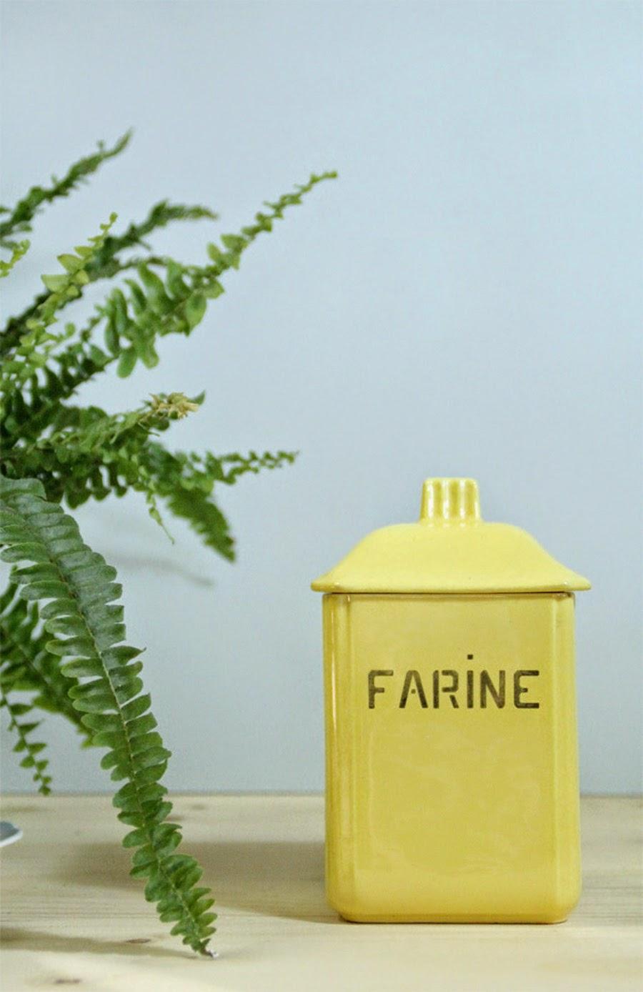 Vaisselle vintage décoration pot à farine jaune ancien faience