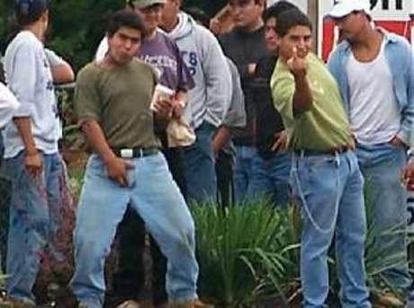 http://1.bp.blogspot.com/-9BdlH106BSk/Txl2G97-TZI/AAAAAAAAzfE/G0KmXmi-V00/s1600/illegalaliens_12.jpg