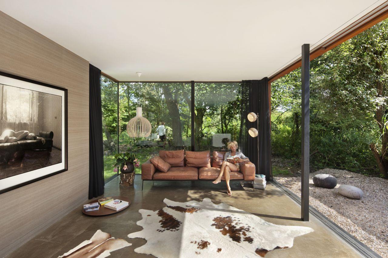 http://1.bp.blogspot.com/-9Bf2fTsfl1s/UPWRRTMg5UI/AAAAAAAAT24/1NyxtCvSrbo/s1600/11-rail-house-santpoort-by-zecc-architecten.jpg