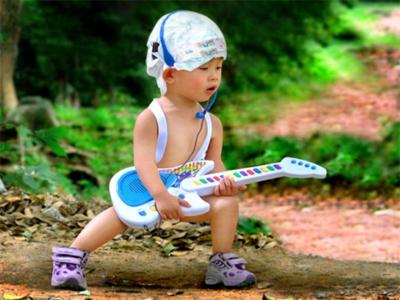 Lagu buat belajar main gitar. Eno Netral vs Travis Blink 182