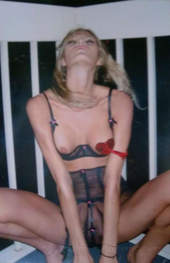 Tetona Amy Anderssen follada por dos negros - Videos Porno