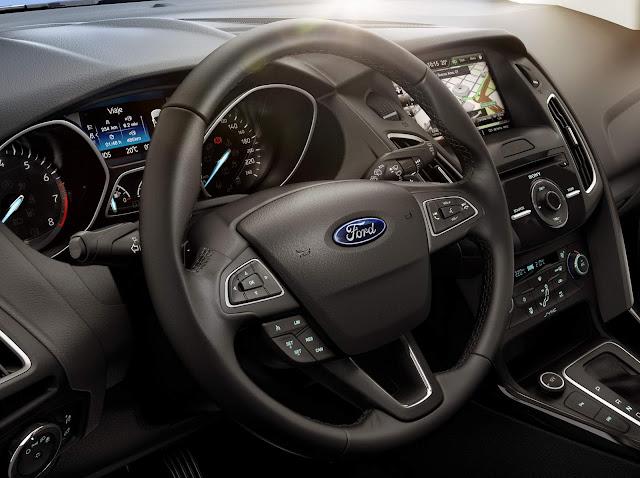 Ford Focus 2016 Fastback - posição de dirigir