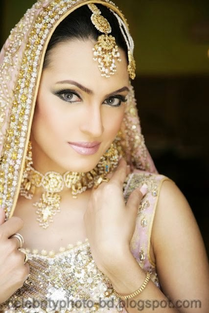 Girls+in+Weddings+and+Bridal+Dressing+Latest+New+Collection002