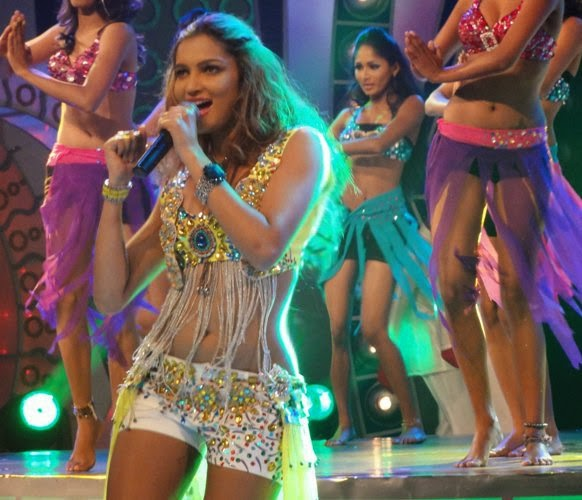 Pics from the guest performance on Dance Star Dance 2011