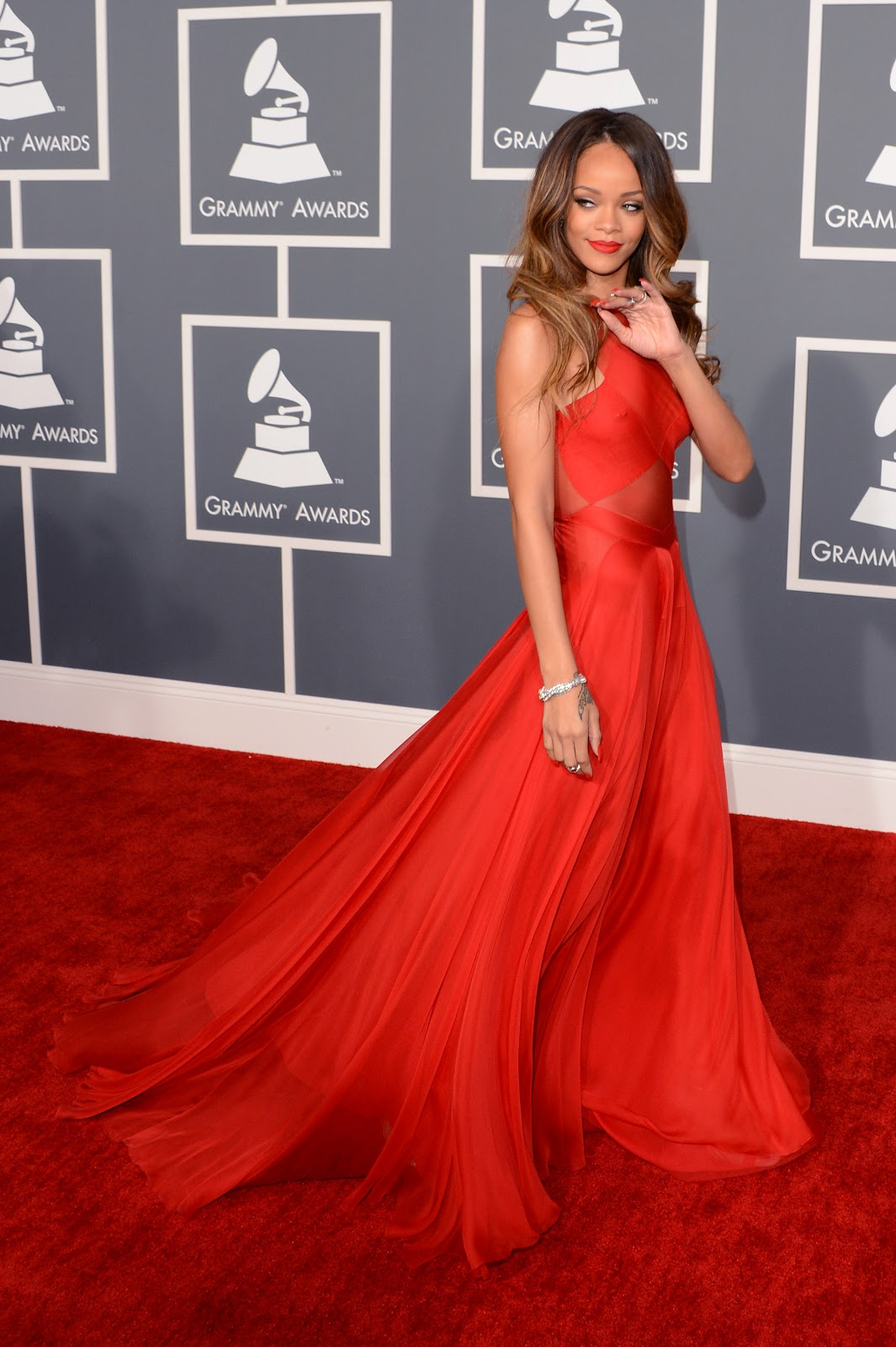 2013 Grammy\'s Best and Worst Dressed! | LETS BE REAL: THE CLOTHES DO ...