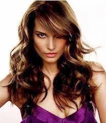 Potongan Rambut Ikal Wanita Terbaru