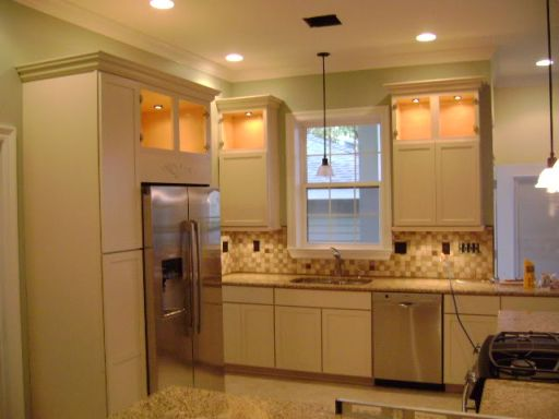 Cabinets for kitchen off white kitchen cabinets pictures for Images of off white kitchen cabinets