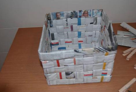Vosos ambiente - Hacer cestas con papel de periodico ...
