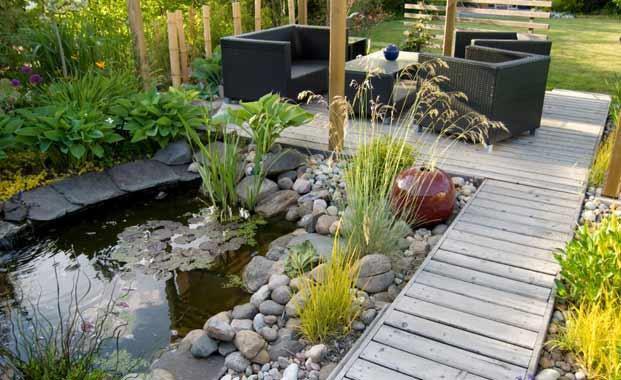 Beautiful Home Garden Design