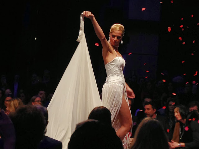 "<Img src = ""IMG_6189.jpg"" alt = ""vestido novia, desmontable, vertize gala"">"