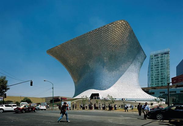 Arquitectura quantumm el nuevo museo soumaya por lar for Acuarios zona norte