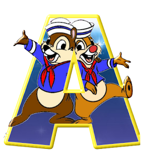 Alfabeto de personajes Disney con letras grandes A Chip y Chop marineros.