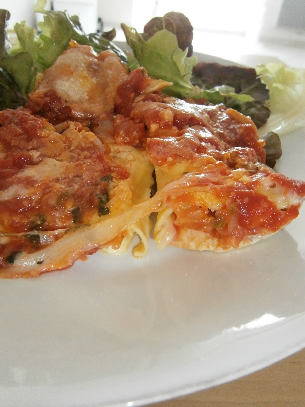d lices d 39 une novice cannelloni mozzarella et jambon cru sauce tomate basilic. Black Bedroom Furniture Sets. Home Design Ideas