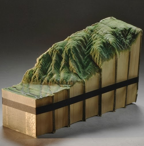 12-Guy-Laramee-Book-Sculptures-Encyclopedias-Dictionaries-www-designstack-co