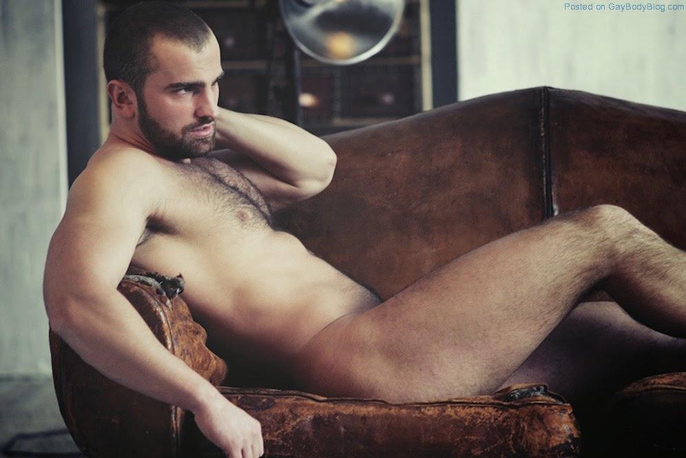 Homens lindos,nus,pelados e muito sexo gay.