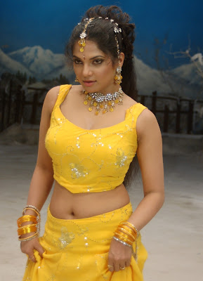 diya in yellow churidar