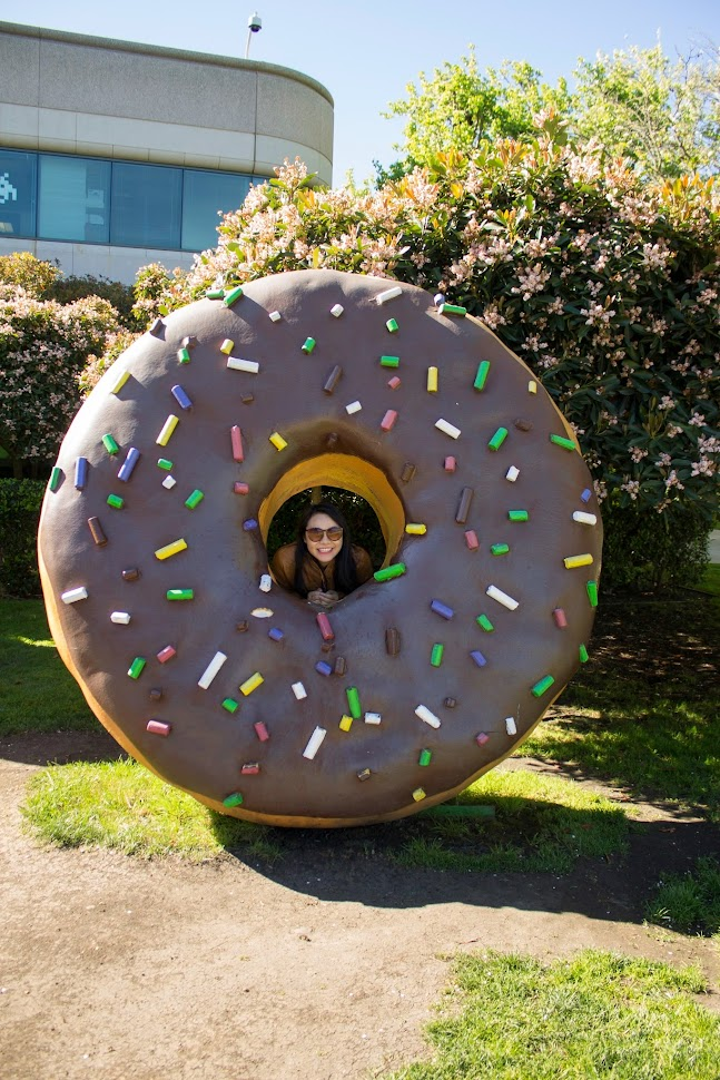 Google Android Building, gigantic donut, donut, google campus