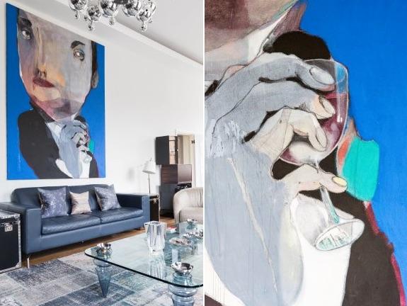 apartamento londinense con el salón decorado en azul