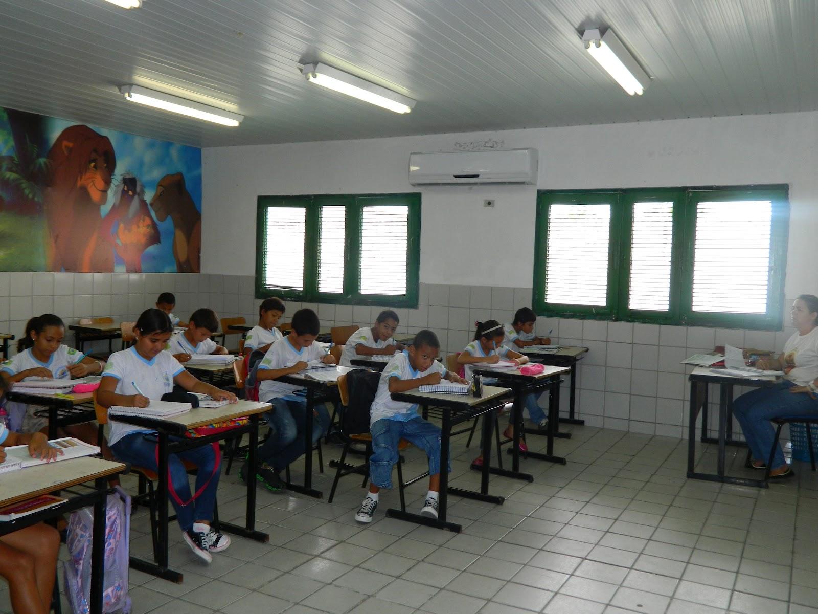 #653E2B  Online: U.E.M. José Aquiles de Sousa passa por melhorias estruturais 1600x1200 px Melhorias Na Cozinha_457 Imagens
