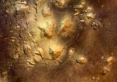Extrañas fotografías de pirámides en Marte