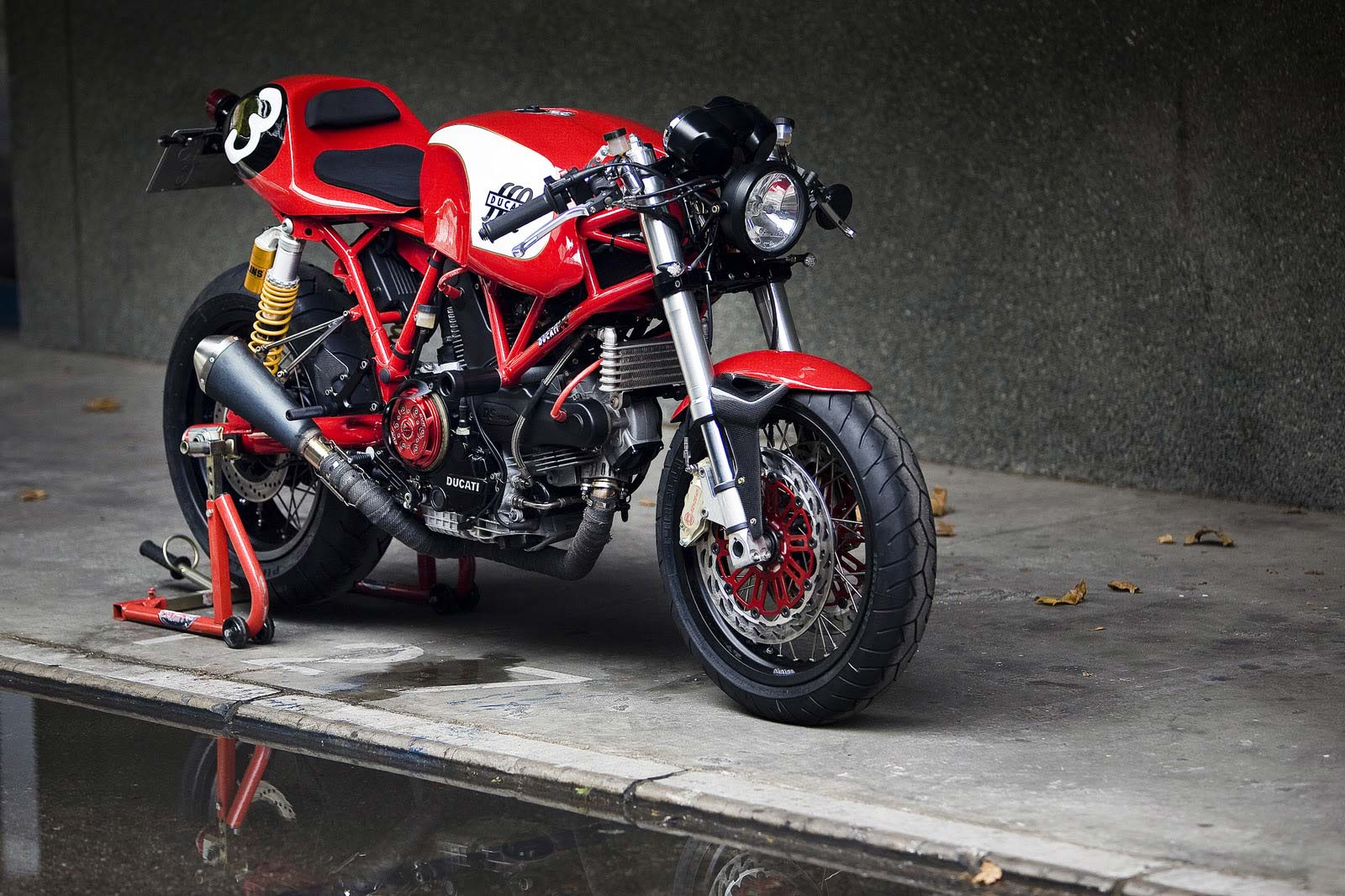 Racer, Oldies, naked ... TOPIC n°2 - Page 6 Radical-ducati-cafe-veloce-1