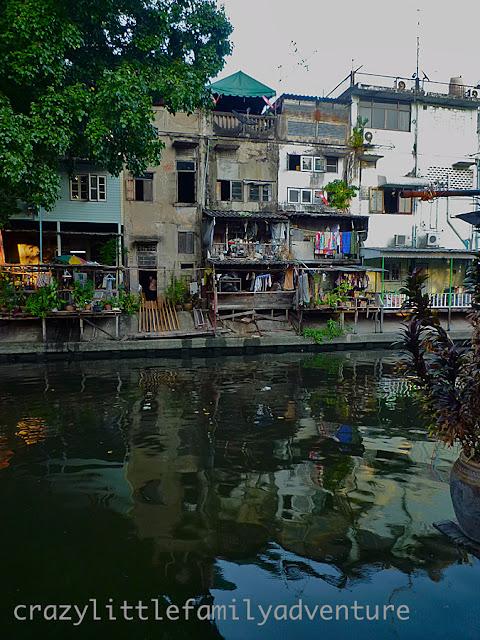 Dirty bangkok klong, bangkok klong living, living in bangkok