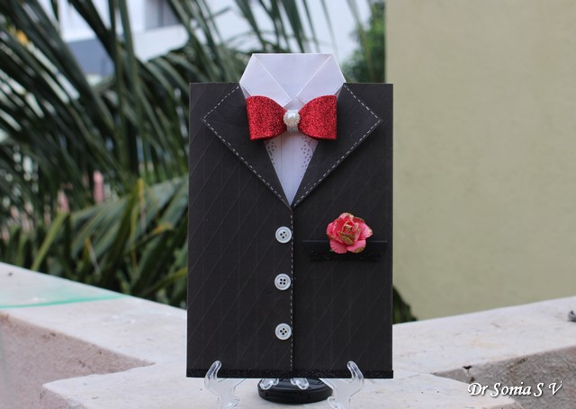 cards  crafts  kids projects  tuxedo shaped gift card holder