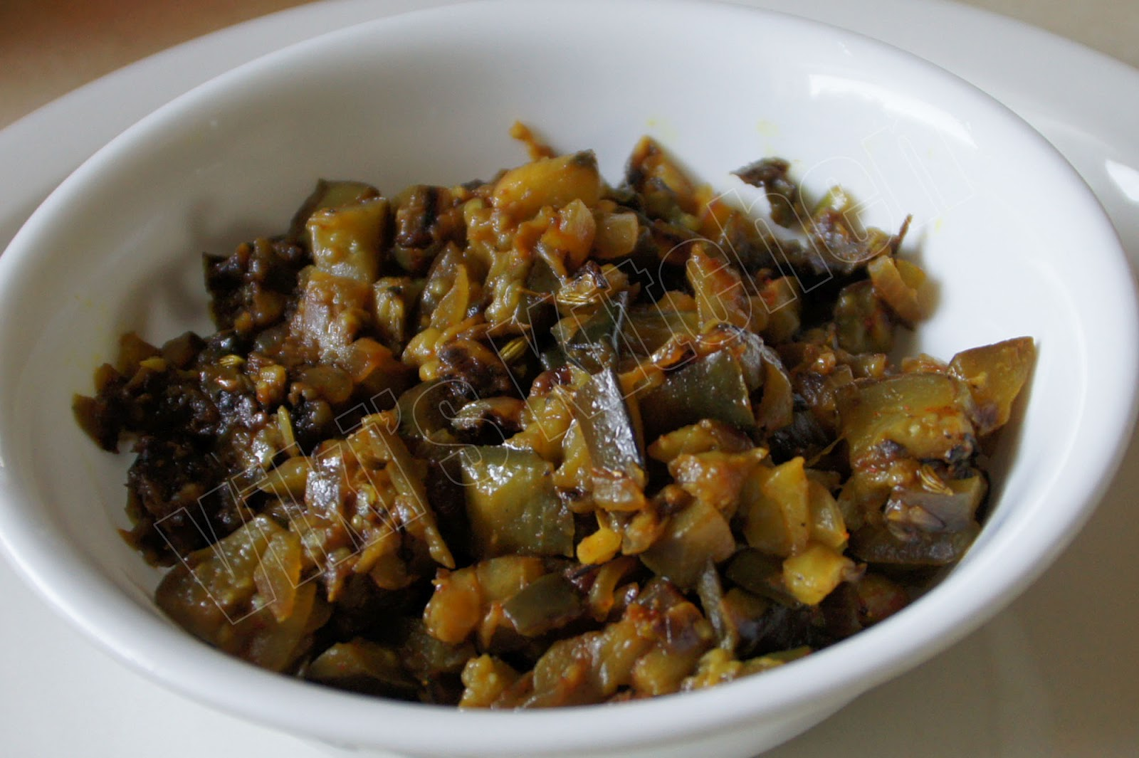 Viki \'s Kitchen: Eggplant fry and kitchen garden