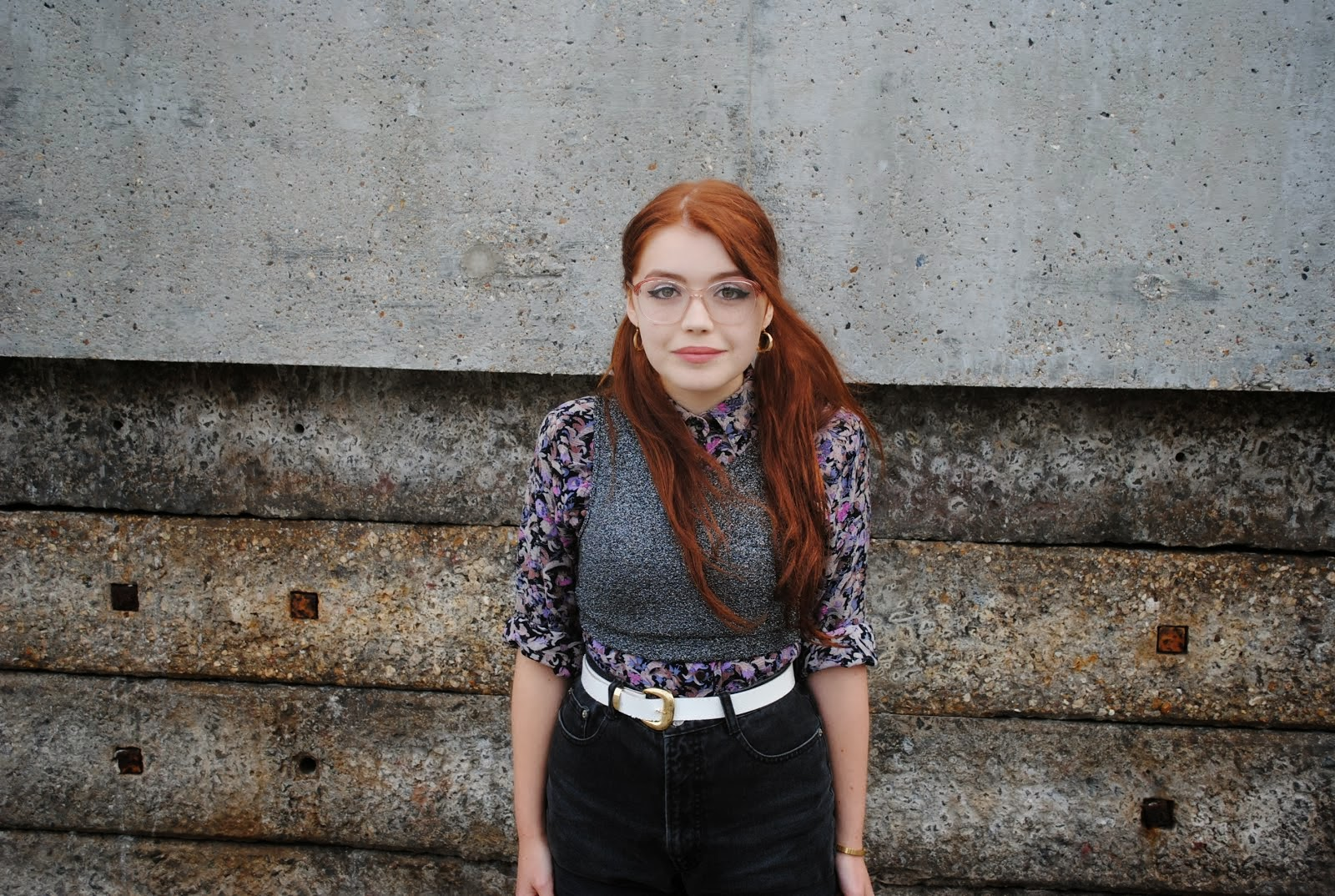 a blog run by a whimsical teen from London with a love of old clothes, old music and herbal tea