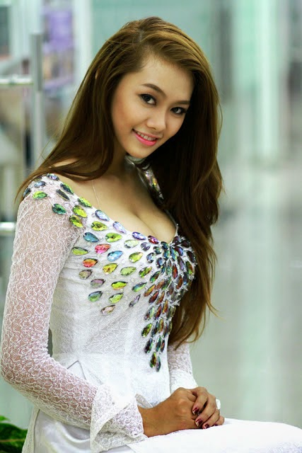 Vietnamese Bikini Miss Linh Chi