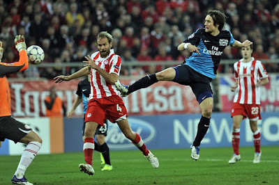 Olympiakos Piraeus 3 - 1 Arsenal (2)