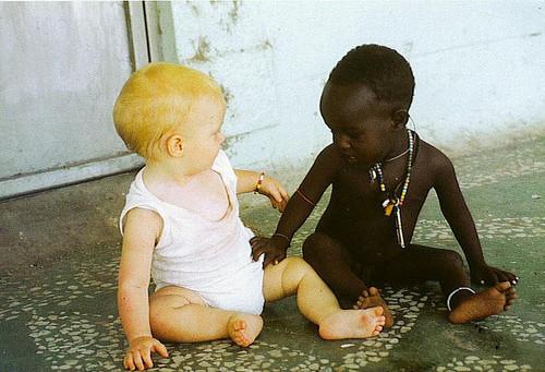 """""""O RACISMO É A PROVA DO QUANTO AINDA SOMOS PRIMITIVOS!"""""""