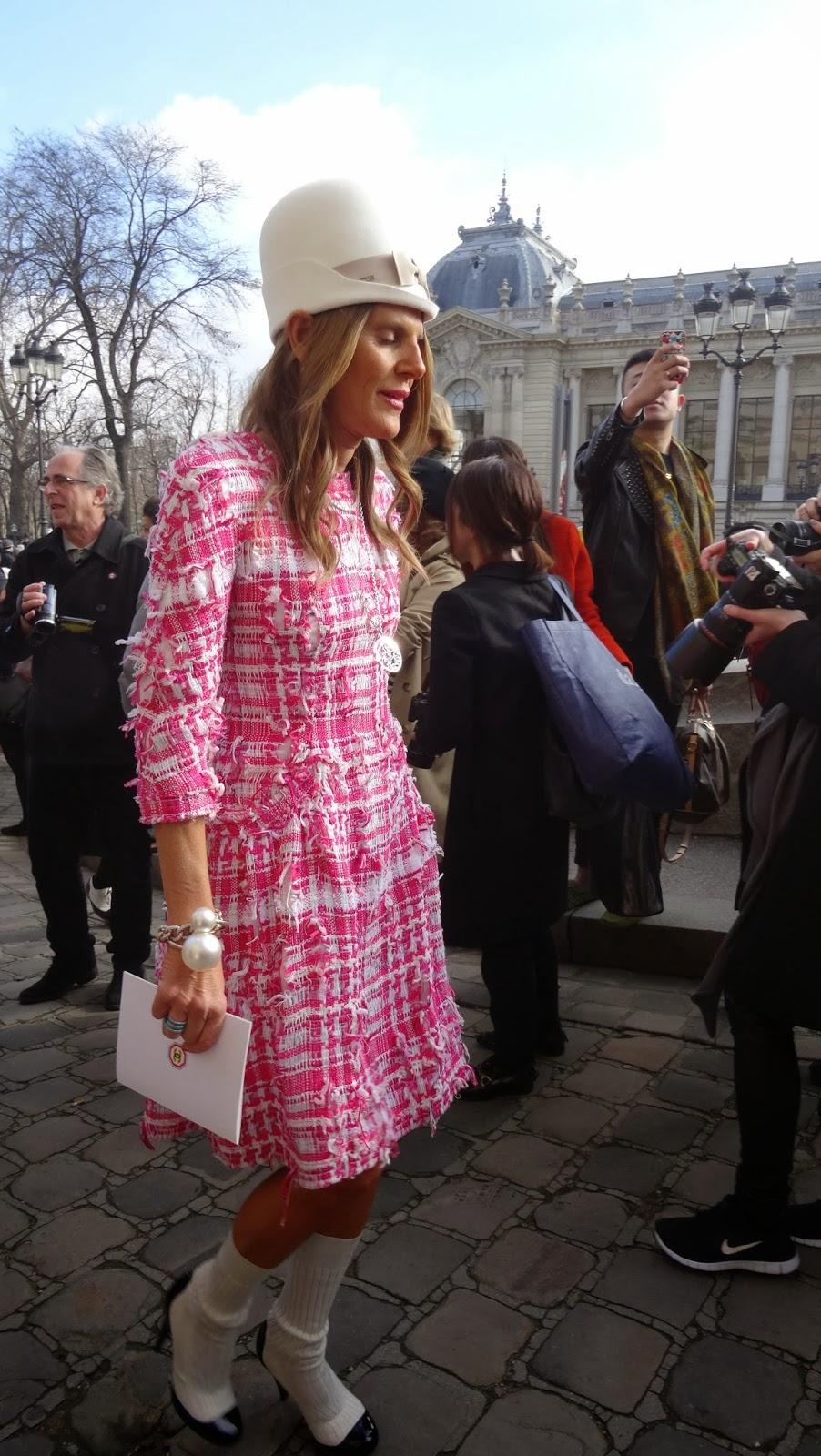Todo el street style del desfile de Chanel en la PFW .