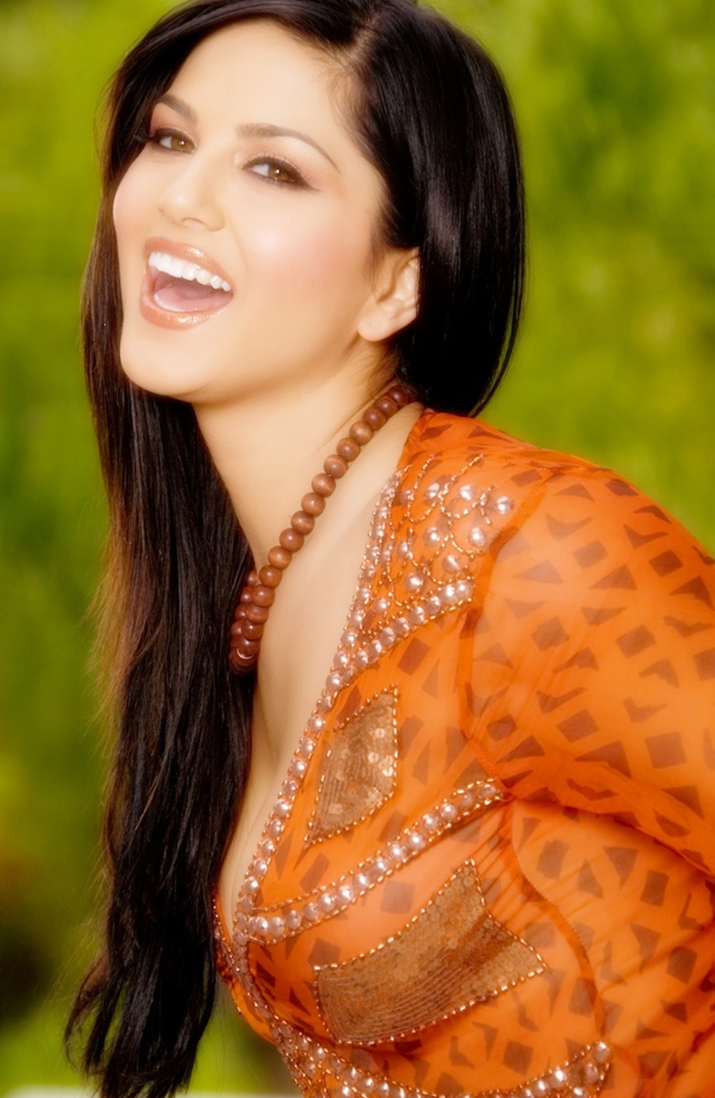 Sunny Leone Incredible Hot And Sexy Pics 2012