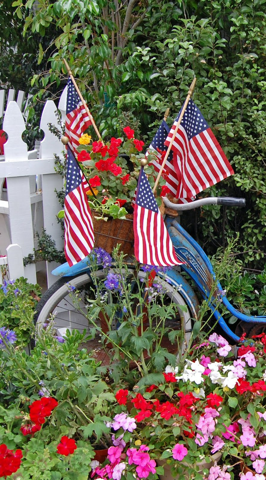 memorial day yard art