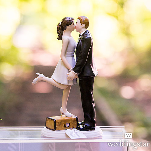 http://www.weddingfavoursaustralia.com.au/products/a-kiss-and-were-off-figurine