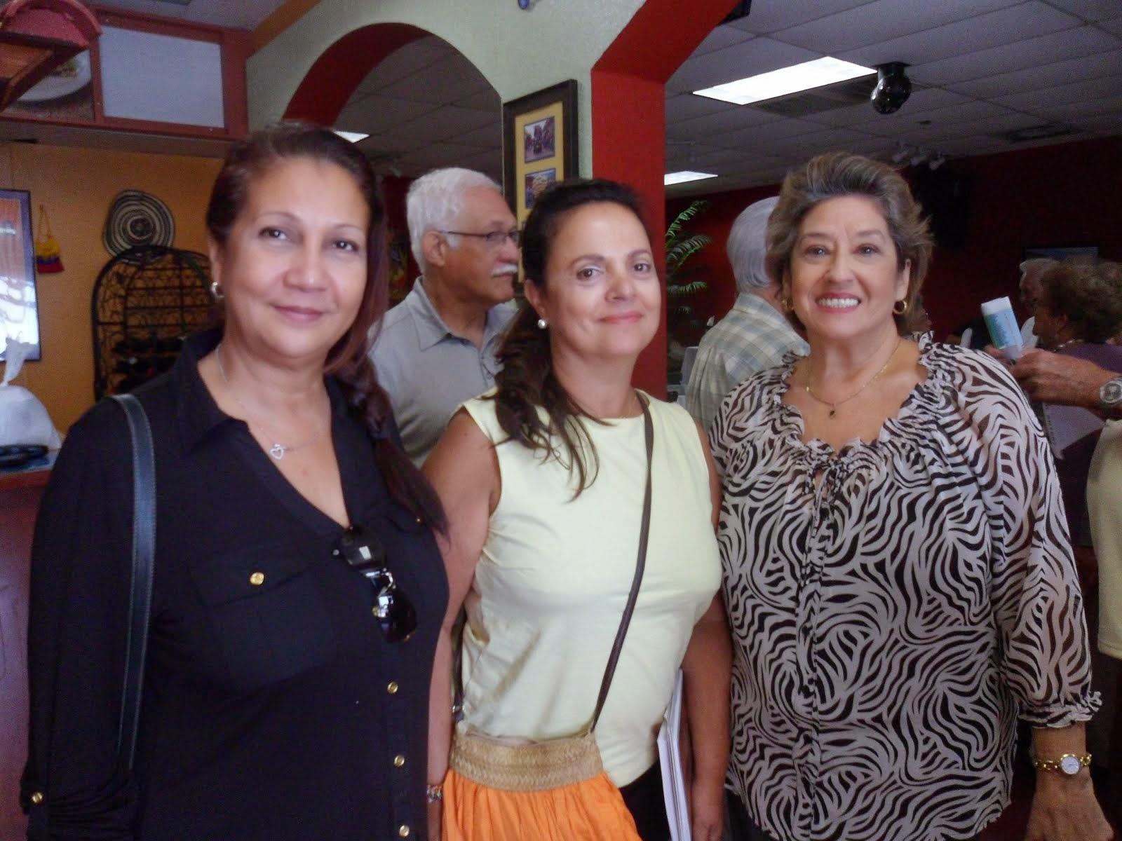 Ana en la Tertulia de Poesia en Florida, E.U.-agosto 2013