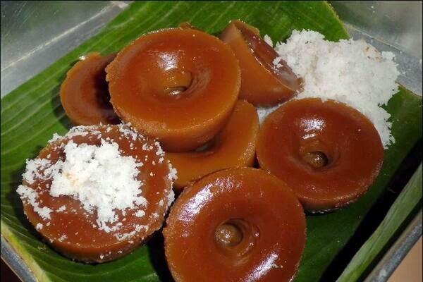 Resep Kue Lumpang Gula Merah dan Lumpang Hijau Palembang