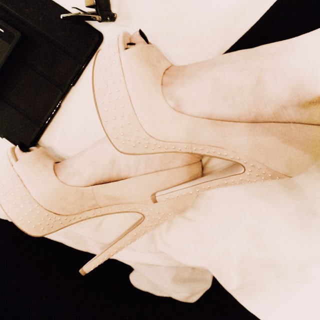 office-shoes-heels-studded-nude