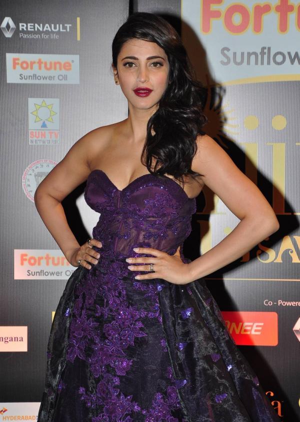 Shruti Haasan Photos at IIFA Utsavam Awards 2016